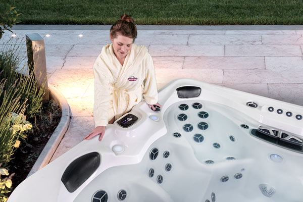 arctic spasⓇ: reinventing the energy efficient hot tub